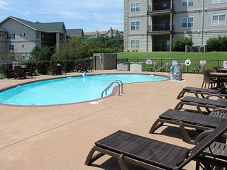 Branson Condo Rental | Thousand Hills | 76 Strip | Pool | Elevator | Golf Views