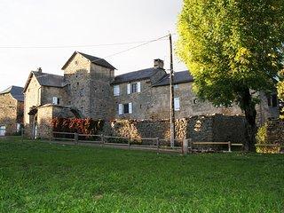 Manoir d'Ajas, 3 Gîtes, Saint-Laurent-d'Olt