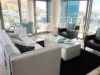 Luxury corner apartment on Cape Towns Foreshore