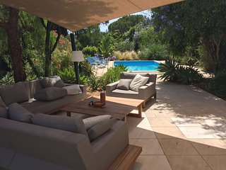 Searching for a relaxing house with private pool/garden? Look here!