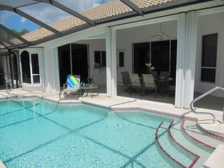 Amazing Tropical Pool Home in SW Cape Coral