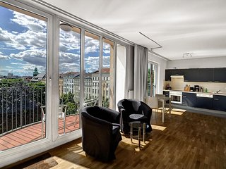 Parkview Junior Suite II apartment in Mitte with WiFi, balkon & lift.