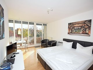 Park View Suite Azure apartment in Mitte with WiFi, balkon & lift.