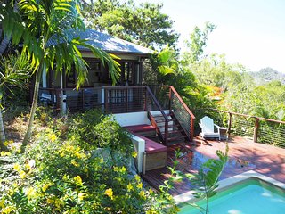 Private Beach House with views and pool, Cannonvale