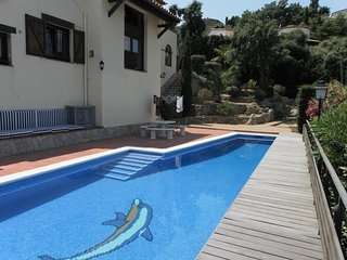 Beautiful Villa for six with private pool, Calonge