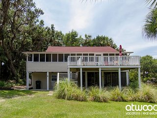 """You Never Know * Edisto"" - Cozy Classic Beach Cottage, Lagoon Location, Isla de Edisto"