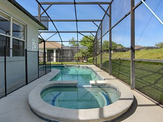 4 Bedroom Private Home with Pool/ Spa (CTL414), Haines City
