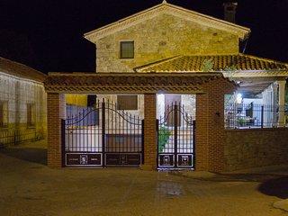 Estupenda Casa Rural de Lujo,con piscina climatiza