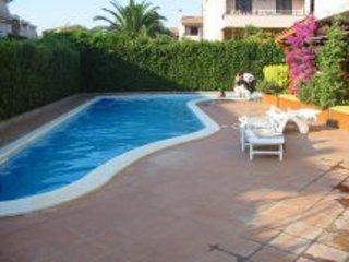 Villa con piscina autonoma