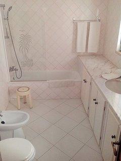 Master bedroom suite - Bathroom