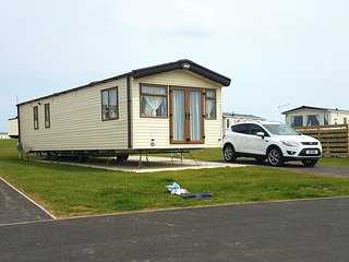 Luxury 3 bed Caravan to rent at sand le mere, Withernsea