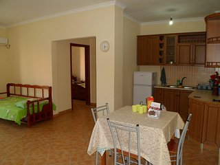 lovely house very near the beach with 2 balconies, Durrës