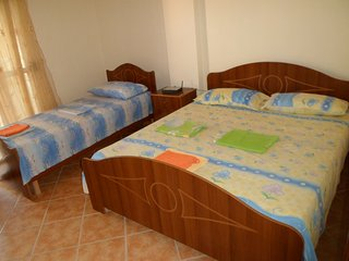 LOVELY AND CENTRAL APARTMENT-IDEAL FOR LONG STAYS, Durrës