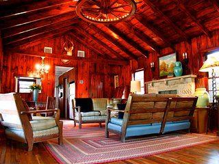 Secluded Western Ranch House on 4 Ac Near Bandera