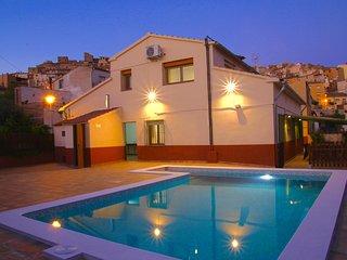 Casa La Fàbrica, Horta de Sant Joan