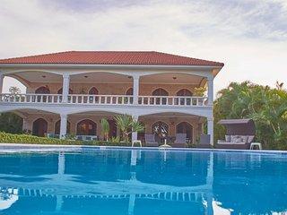 6 bedroom beachfront villa Cabarete