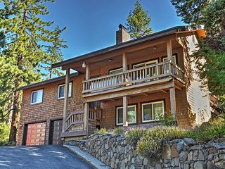 NEW! Updated 4BR Donner Lake House w/Private Deck!, Truckee