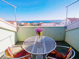 Cozy Apt 3 STARS for 4 - SeeView, btw Split&Trogir, Kastel Kambelovac