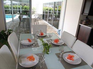 Villa BlueBay  Modern-Waterfront-Gulf Access-Pool, Cape Coral