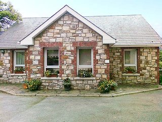 READS PARK, all ground floor, zip/link beds, ample parking, shared garden, in Tipperary, Ref 926873