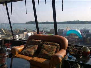 Houseboat on Lake Lanier