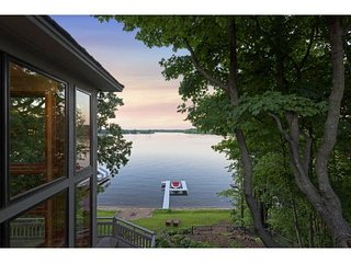 Ryder Cup Lake Estate Rental with Boat option, Chaska