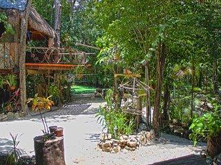 Gran Villa para 16 personas con Cenote Privado., Cancún