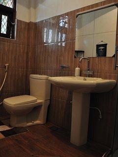 Garden View Room- Bathroom