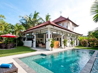 Private elegant 2 BR villa, central Seminyak