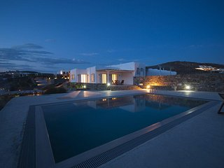 BlueVillas | Penelope | Private infinity pool with view