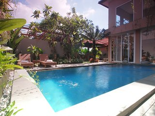 Luxury 4 BedRoom Private Pool Villa In Seminyak
