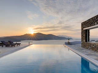 BlueVillas | Joy | Large private infinity pool