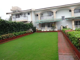 Lonavala Bungalow 2bhk for 10 people stay, Khandala