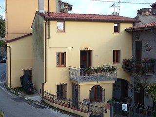 Casa in collina a Pietrasanta