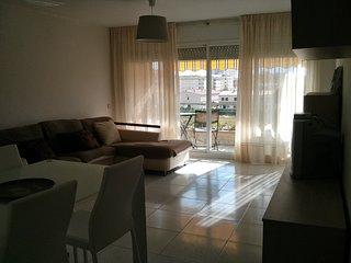 Espectacular apartamento con piscina y garaje, Calafell