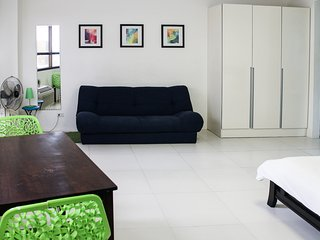 Cozy condo in Fort BGC - ICON A, Taguig City