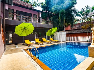 Three-bedroom villa &Pool view (PailinVillaPhuket)