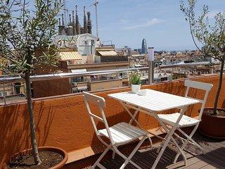 Apartamento Sagrada Familia. Terraza-solarium con increibles vistas. Wifi gratis