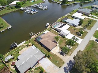 Waterfront Pool Home with Dock Close to the Beach, Englewood
