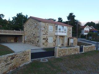 Luxurious stone villa with sea views on Costa da Morte, Ponteceso