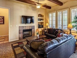 Luxurious 3BD/3BA Upgraded Upper Villa - T25, La Quinta