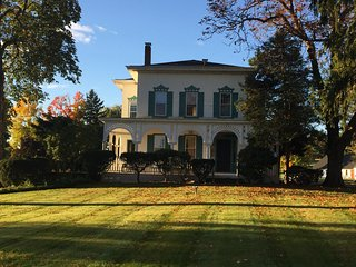 Mansion & Private 3.5 Acre Estate, Bloomfield
