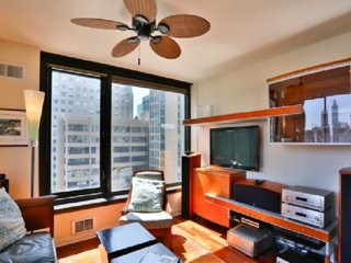 CUSTOMIZED CONTEMPORARY COMFORT IN THE HEART OF FIDI, San Francisco