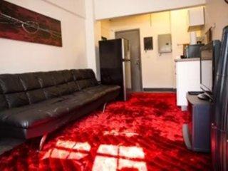 Furnished 1-Bedroom Apartment at N Cahuenga Blvd & Cerritos Pl Los Angeles, Los Ángeles