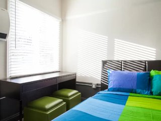 Furnished Studio Apartment at N Cahuenga Blvd & Dix St Los Angeles, Los Ángeles
