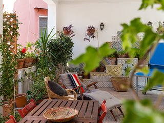 Quartieri Spagnoli: Apartment with Awesome Terrace