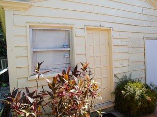 Miami Beach Mini House perfect for Two (MH1)