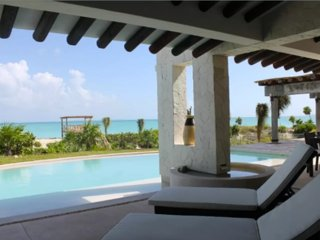 ISLA BLANCA LUXURY BEACHFRONT HOUSE