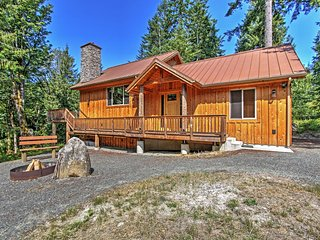 NEW! 'Right Arm Ranch' 3BR Port Angeles Cabin