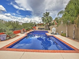 Stunning 1BR Tucson Casita w/Fireplace, Wifi & Swimming Pool Access - Walking Distance to Shopping & Restaurants, Close to Outdoor Activities!